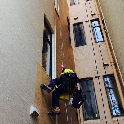 تعمیرات نمای ساختمان